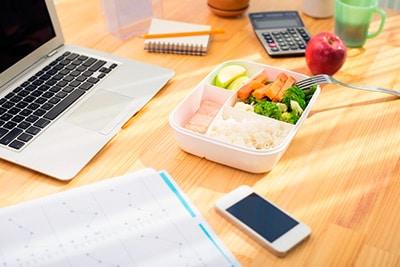 zakaz-obedov-s-dostavkoj